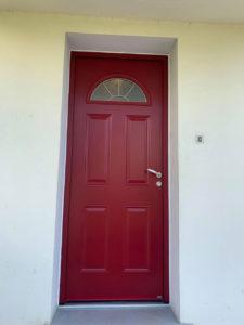 Rénovation d'une porte d'entrée et remplacement par une porte aluminium Bel'm.